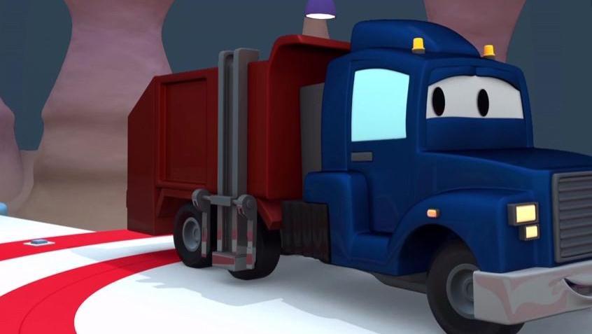 汽车城之超级卡车4: 垃圾车加里爆胎了,变形金刚卡尔变成垃圾车清理汽车城的垃圾