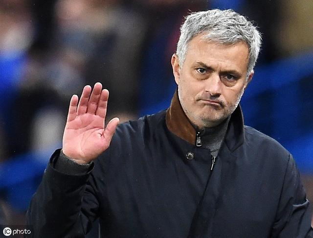 穆里尼奥正式签约热刺 老板抠门或成执教最大阻力