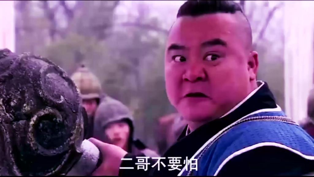 宇文成都和李元霸拼这么久,是师傅告诉李元霸不能杀使镗的人