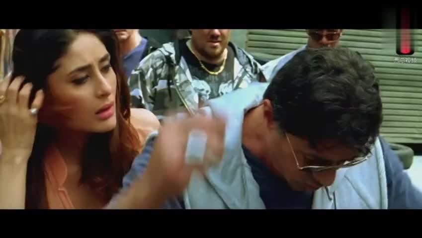 史泰龙电影经典片段以一打十,英雄救美