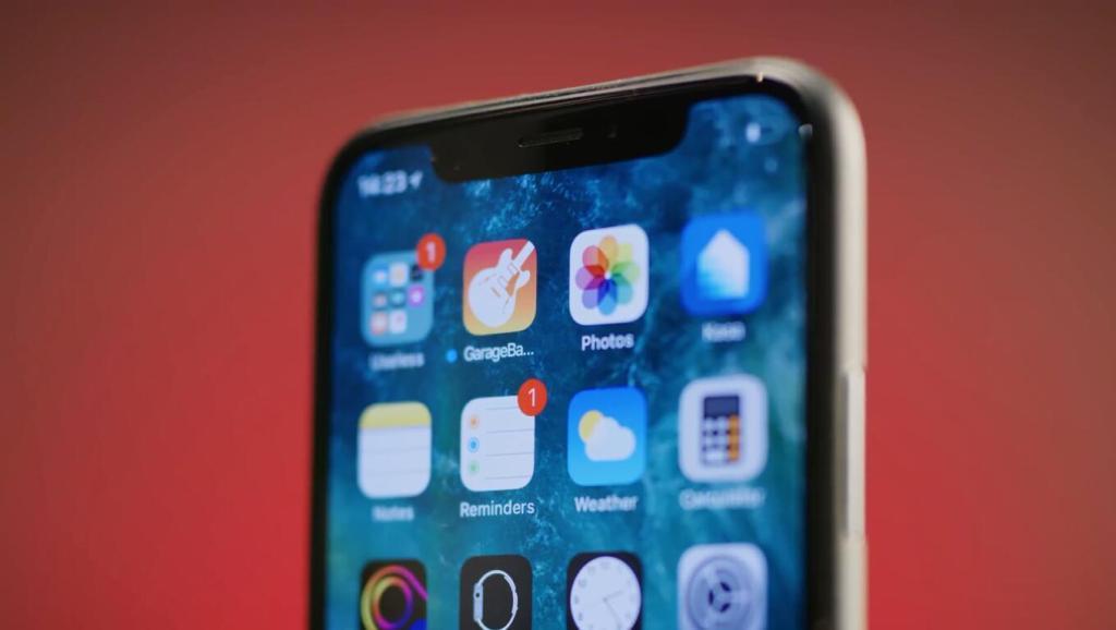嫌iPhone X齐刘海丑?忍着吧,2018还要再出3款!
