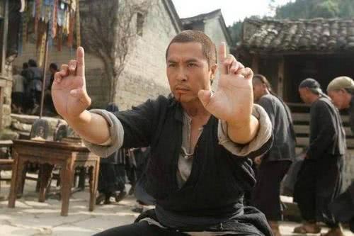 他在其中饰演的是,他曾帮成龙摆平过困难,王羽可能还能打翻甄子丹(图5)