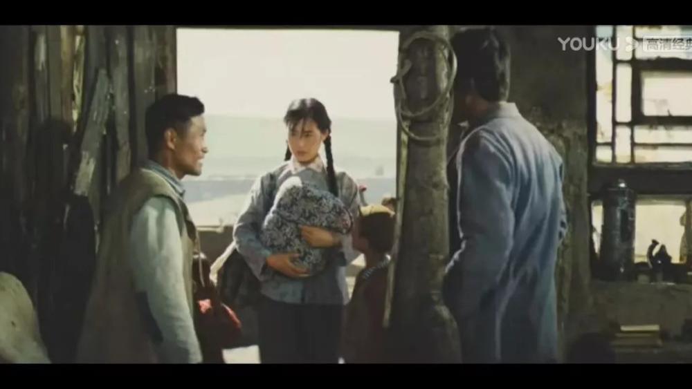37年前的老電影《牧馬人》火遍全網, 原來最真摯的感情最能打動人