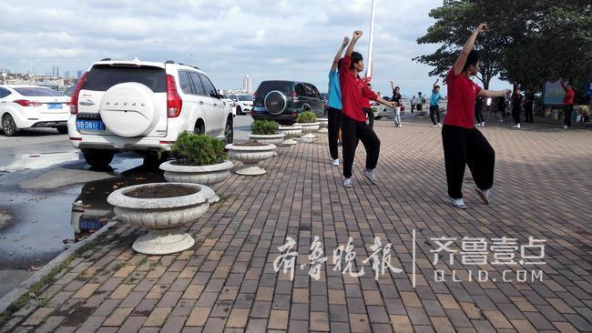 这两天,青岛市八大峡巫峡路路段临时限行一事备受关注.