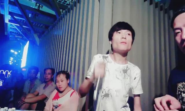 伤感网络歌曲 云菲菲 小小新娘花 视频清纯性感养眼美女写真
