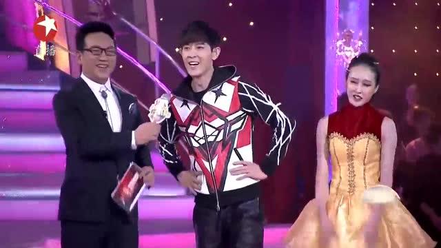 《与星共舞》这位黑人是谁啊?说的中文如此流利