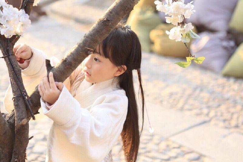 """""""小芈月""""又有新动态了, 大家快来看看这个可爱的小童星吧"""