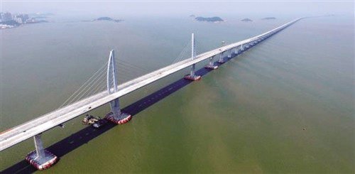 手工制作未来的桥梁
