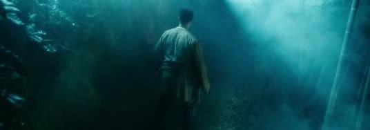 一部经典恐怖片,男子误入苗族禁地,被吓破胆