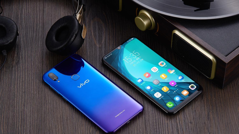 2018年年度最佳5款千元全面屏手机, 每款都有不输旗舰的实力