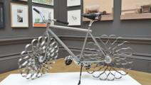 全球仅此一辆的自行车,没有轮胎,减震堪比豪车