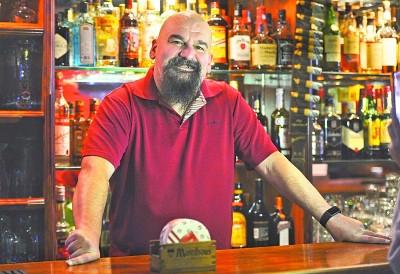 比利时男子在汉开了15年咖啡馆