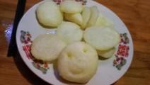 土豆新做法 蒸好再做 吃着不腻,家里有小孩的可以经常做给孩子吃