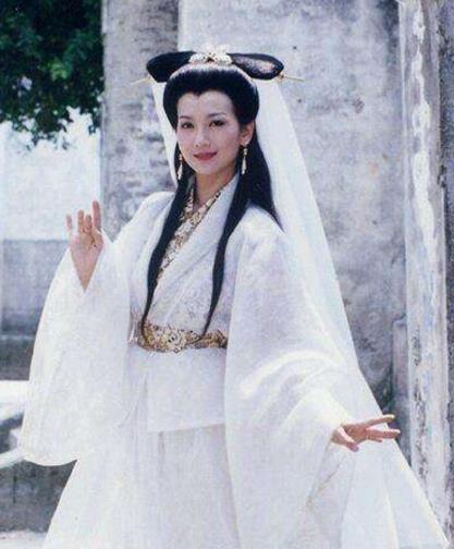 古装剧中令人惊艳的白衣女子, 赵雅芝李若彤, 你喜欢谁?