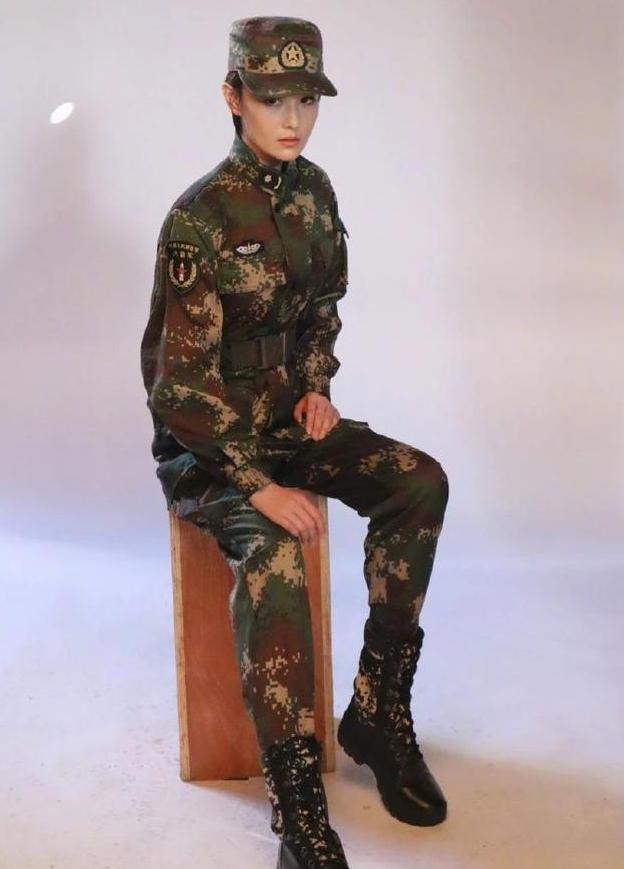 如今再提起张馨予,仍旧有许多女明星的美是格外出众的,那就是军嫂