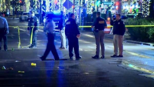 新奥尔良枪击造成10人受伤, 凶手仍在逃, 警方悬赏五千美元缉凶