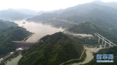 龙河口水库建于舒城县巢湖水系支流杭埠河上游,当地利用库区自然开发