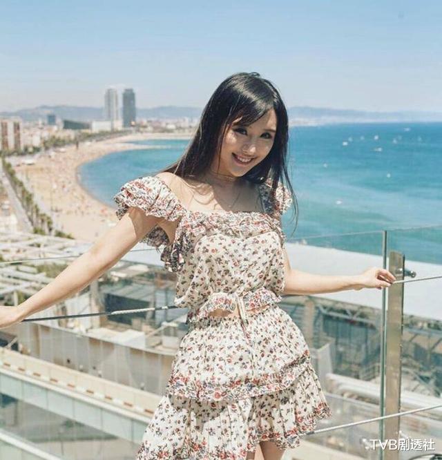 30岁香港女演员出演限制级电影而爆红,与陈静首次合作后的张智霖大赞她有演技