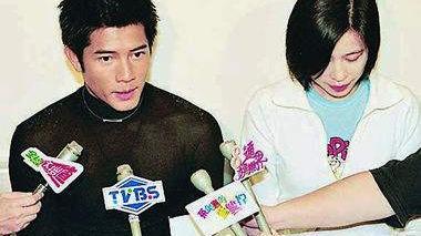 郭富城通盘掌控,与方媛婚姻被爆精心安排,中年男人惹不起