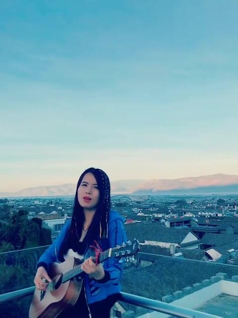 [牛人]吉他郝浩涵风筝教程弹唱吉他吉他美女教架子鼓图解图片