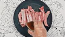 猪肉别只会炒着吃,教你这个做法,招待客人特有面子,太诱人了!