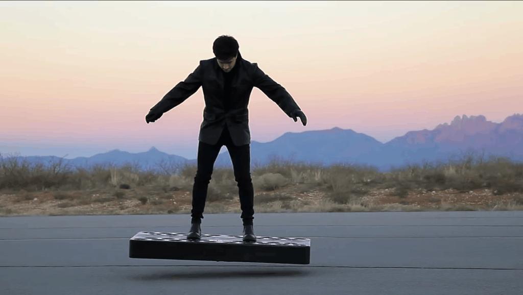 """美国公司发明""""悬浮""""滑板,时速15公里,6秒就能起飞"""