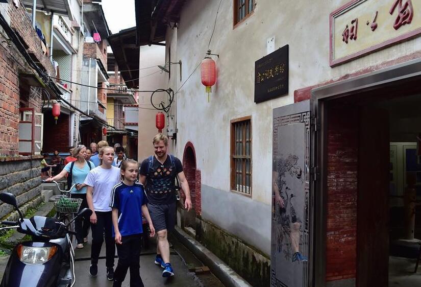 德国女孩的功夫梦, 跨越万里来中国学咏春拳