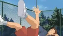 《网球王子》: 越前巧妙改造发球,打出暴风外旋发球