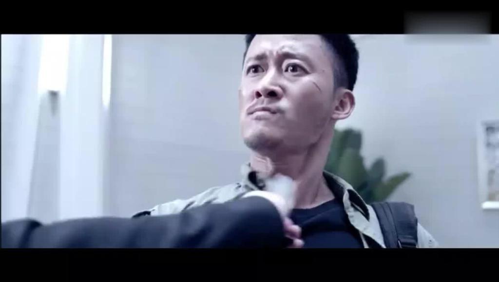 吴京中国功夫打败泰国小李飞刀,打斗场面比战狼精彩