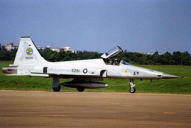 中国人首款国产第三代战机: 美国人却不屑一顾