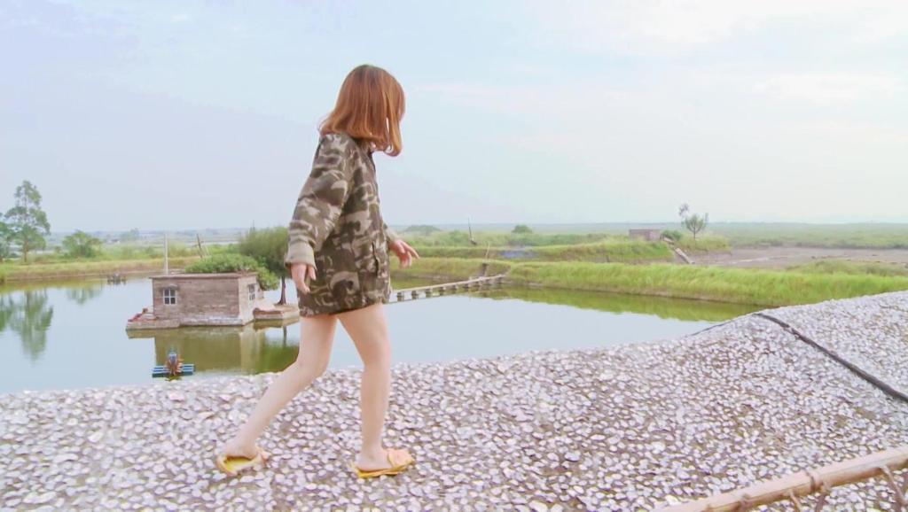 东兴篇预告: 美女主持摇身一变越南萌妹教你两道中越美食