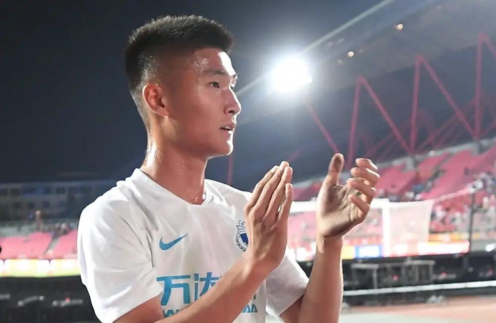 人才辈出,这支U21国家队其实就是U20大了一岁,同时在三天后陶强龙的禁赛将会解禁到期
