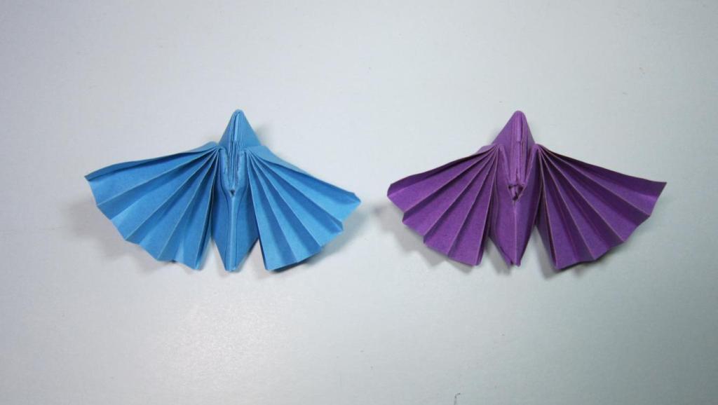 简单的服装连衣裙手工折纸教程 打开 儿童手工折纸小动物 简单的飞蛾