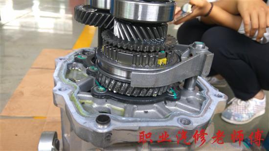 空调压缩机这也是空调噪音的来源
