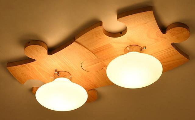 3,北欧风格实木家居吊灯,时尚美观又实用,原木色质朴清雅,光线明亮