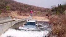 哈弗H9过大洪山赛道水池 进去洗了个澡