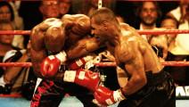 泰森VS霍利菲尔德二番战,泰森很多拳头都打中了对方