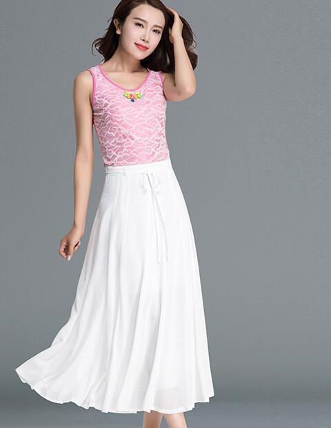 半身裙大了_时尚圈大热的半身裙配休闲衫你get了吗? 绝对谁穿谁美