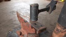 这种锤子为何不会反弹,把它锯开你就明白了