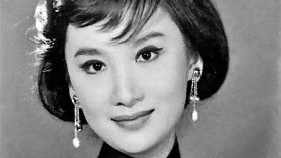 金庸夢中情人, 名導演為她終身未娶, 80歲仍美麗, 一生堅守二個字