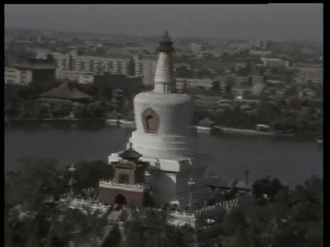 1986年北京的珍贵影像,鸟瞰那个年代的白塔、天坛和故宫