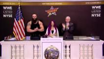 "WWE-17年-WWE明星花絮: ""美女与野兽""做客纽约证券交易市场 敲响交易截止铃-花絮"