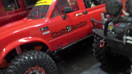 RC遥控越野车轮胎安装防滑钉