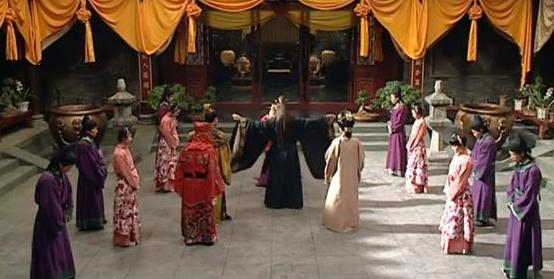 色五月女王来了处女_此皇帝用处女来炼丹, 被小宫女差点勒死, 看着皇后被烧死而不救!
