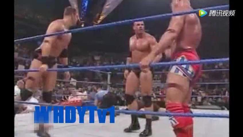 WWE 大秀哥被科特安格致晕遭强行剃光头,从此改头换面走上光头形象
