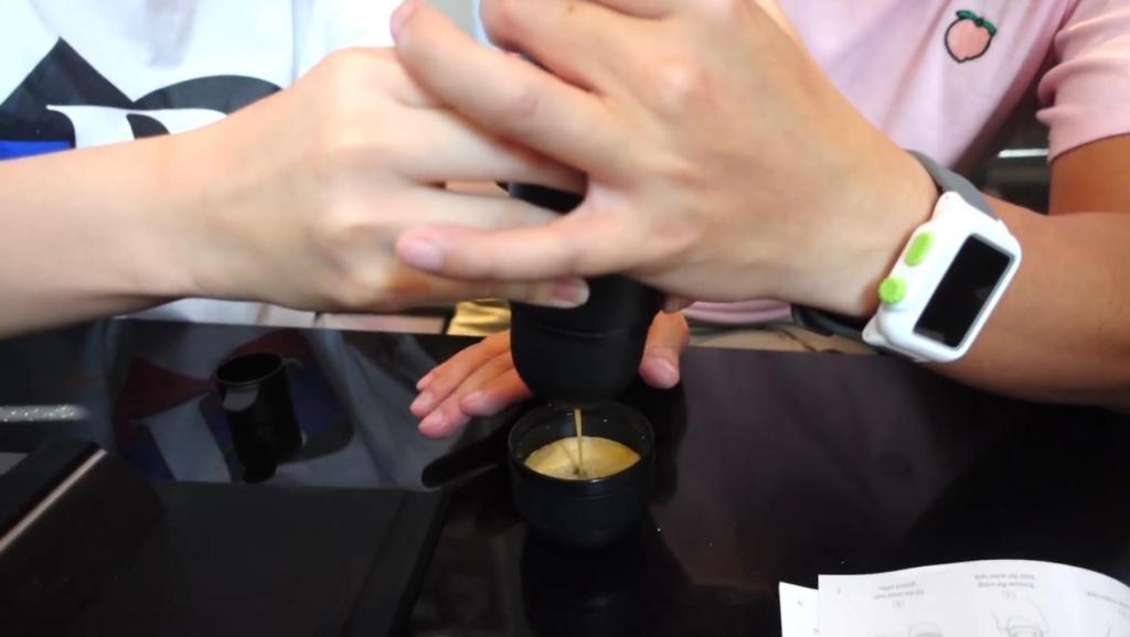 能够随身携带的浓缩咖啡机Expresso coffee开箱