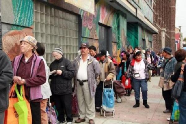 中国蛀虫在美国引众怒: 北京三环两套房, 却跑到洛杉矶吃低保!