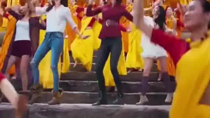张艺兴李治廷成龙首次合作跳舞,被选作国家广场舞必跳舞!