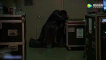 WWE赛后,巨星感人集锦,擂台上的敌人,生活中的朋友!看哭了