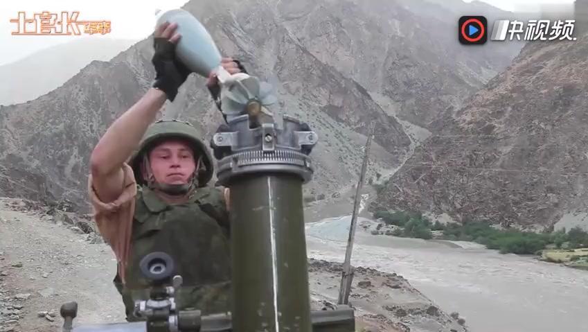 这很战斗民族_俄罗斯人用迫击炮对付洪水
